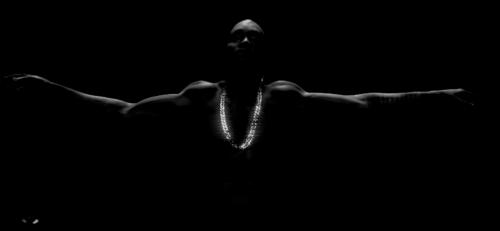 kanye-black-skinhead-video-500x231